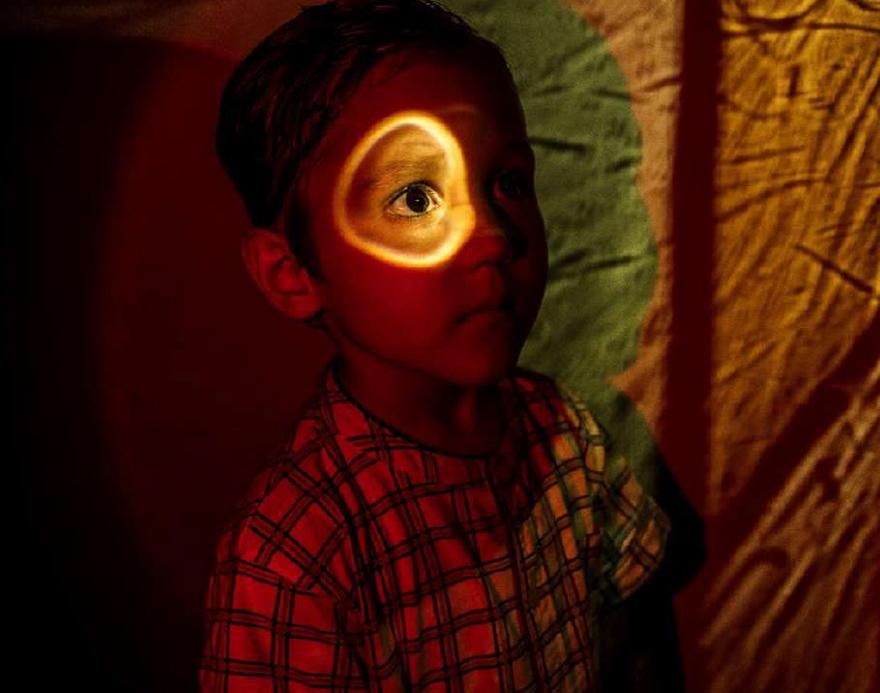 """Mención de Honor: """"La luz de las sombras"""". Autora: Julia C. (3º Primaria, 8 años)"""