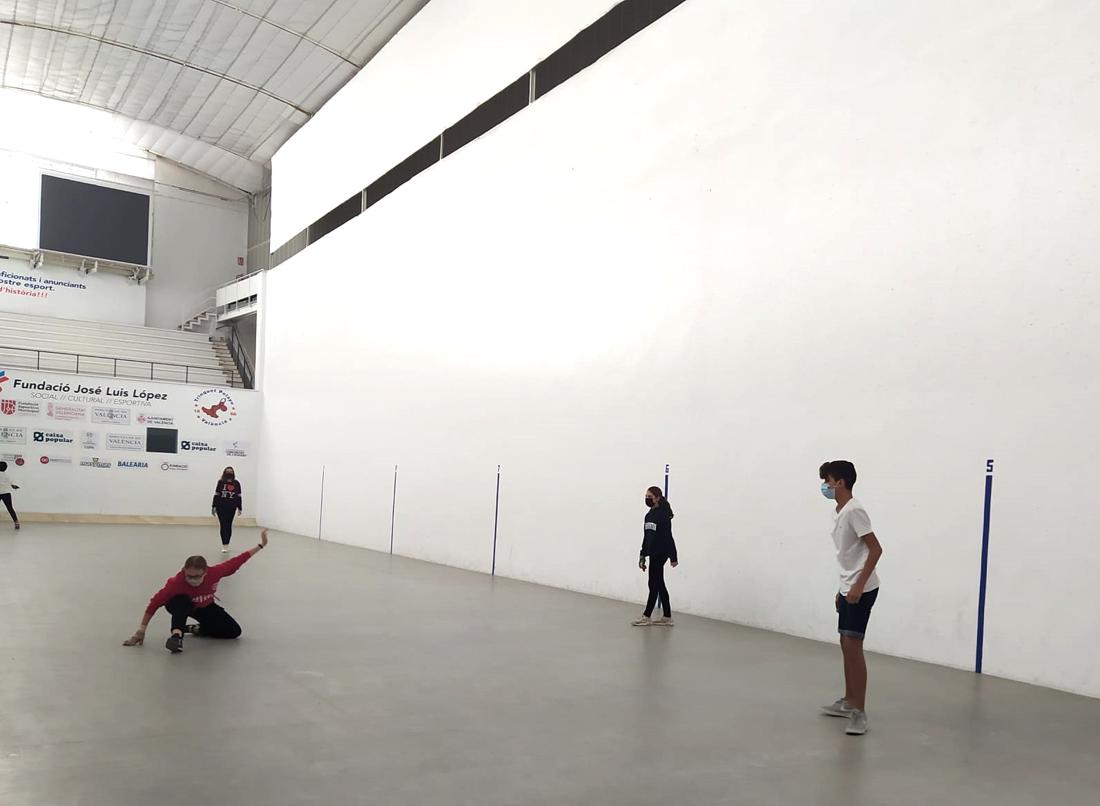 actividad deportiva de los alumnos de 2º ESO de Gençana. Promoción de la Actividad Física y el Deporte