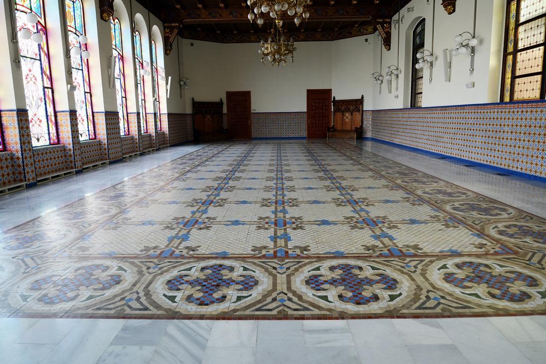 palacio de la exposicion de valencia. la valencia contemporanea